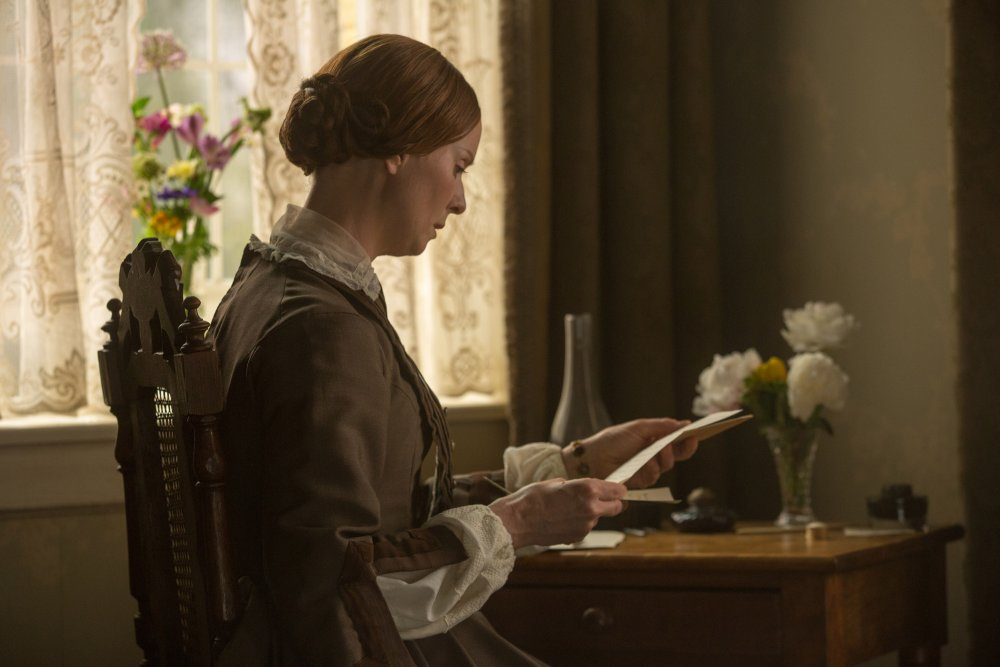 quiet-passion-a-2016-004-emily-dickinson-reading-letter-at-desk-ORIGINAL